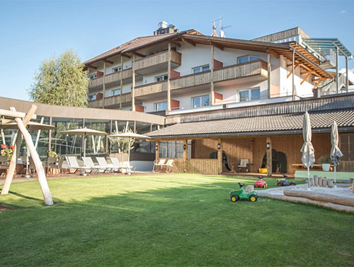 Famelí small family & spa resort dolomites ****S